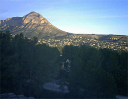 Jávea (Xàbia) – Casa Hispano – Blick zum Montgo (753 m) und auf die Altstadt von Jávea webcam Live