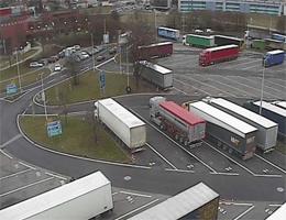 A01 West Autobahn: Bei Raststation Ansfelden, Blickrichtung 2 LKW Stellplatz – Km 171,00 webcam Live