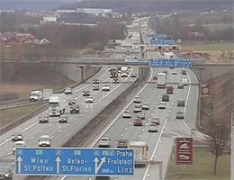 A01 West Autobahn: Bei Raststation Ansfelden, Blickrichtung Linz – Km 171,00 webcam Live