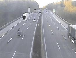 A01 West Autobahn: Zwischen Anschlussstelle Haag und St. Valentin, Blickrichtung Linz – Km 145,90 webcam Live