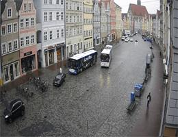 Landshut – Blick vom Rathaus in Richtung Heilig-Geist-Kirche webcam Live