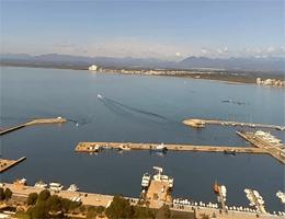Roses – Fischereihafen und die Bucht Webcam Live