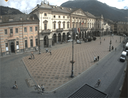 Aosta – Piazza Emile Chanoux Webcam Live