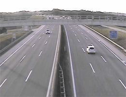 A01 West Autobahn: Bei Anschlussstelle Oed, Blickrichtung Linz – Km 132,10 webcam Live