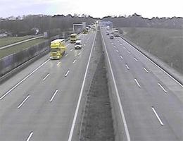 A01 West Autobahn: Zwischen Anschlussstelle St.Valentin und Enns Ost, Blickrichtung Linz – Km 153,41 webcam Live