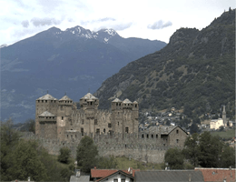 Fenis Castello di Fenis Webcam Live