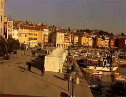 Rovinj Hafenpromenade Marina Webcam Live