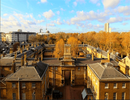 London – Royal Mews Webcam Live
