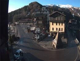 Abetone Piazza delle Piramidi Webcam Live